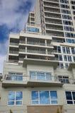 apartement som bygger hög stigning arkivfoton