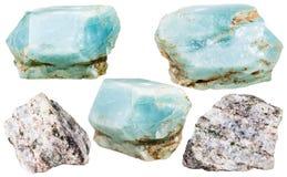 Apatite πολύτιμοι λίθοι και βράχοι κρυστάλλων που απομονώνονται Στοκ Εικόνα