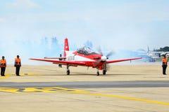 Ape di KT-1 Woong dall'aeronautica dell'Indonesia che ottiene con riferimento a Fotografia Stock Libera da Diritti
