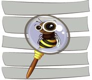 Ape divertente del fumetto su un fondo a strisce sotto un gla d'ingrandimento Immagine Stock