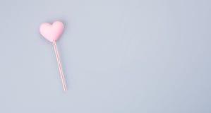apelmace la decoración o la decoración de la torta de la forma del corazón en un fondo Fotos de archivo libres de regalías