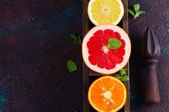 Apelsin, citron och grapefrukt arkivfoton