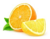 Apelsin- och citronskivor royaltyfria bilder