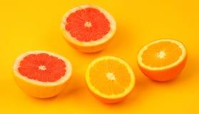 Apelsin och grapefrukt Fotografering för Bildbyråer