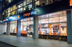 Apelsinen shoppar i Bucharest Royaltyfria Bilder