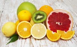 apelsiner för citrusfruktcitronlimefrukter royaltyfria foton
