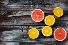 Apelsiner och grapefrukter Fotografering för Bildbyråer