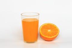 Apelsiner och orange fruktsaft Royaltyfri Fotografi