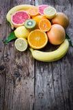 Apelsiner på golvet Fotografering för Bildbyråer