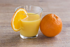Apelsinfruktsaft Royaltyfria Bilder