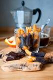 Apelsinskal med choklad Arkivfoto