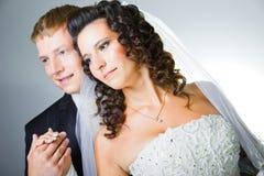 Apenas novia y novio casados Imágenes de archivo libres de regalías
