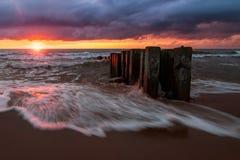 Apenas otra puesta del sol báltica, Rusia, escupitajo de Curonian Fotografía de archivo
