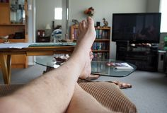 Apenas relajándose en el sábado por la tarde Imagen de archivo