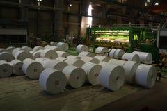 Apenas rolos de papel enormes manufaturados Imagem de Stock Royalty Free