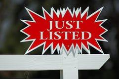 Apenas sinal listado dos bens imobiliários Fotografia de Stock Royalty Free