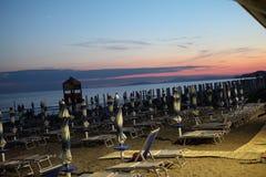 Aperçu de l'établissement se baignant juste après le coucher du soleil images libres de droits