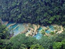 Aperçu des piscines de turquoise de Semuc Champey Image libre de droits
