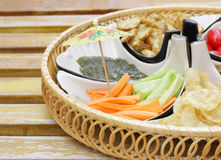 Aperitif mit Gurkekarotte Salat flacher DOF Lizenzfreie Stockfotografie
