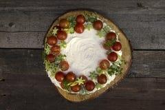 Aperitif mit Käse und Gemüse Lizenzfreie Stockfotos