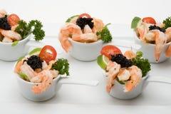 Aperitivo do camarão com caviar Fotografia de Stock Royalty Free