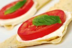 Aperitivo: Mozarella, tomate, manjericão Foto de Stock