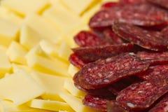 Aperitivos cortados de la carne y del queso Fotografía de archivo libre de regalías
