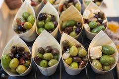 Aperitivos das azeitonas, dos tomates e do queijo Fotos de Stock Royalty Free