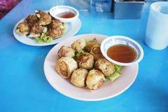 Aperitivos do chinês de Hoi Jor da salsicha do caranguejo imagem de stock royalty free