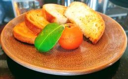 Aperitivos gourmet: gras do foie para o almoço imagens de stock