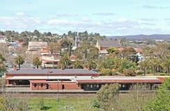 Aperta il 21 ottobre 1862, la stazione ferroviaria di Castlemaine è situata sulla linea di Bendigo ed ha tre binari operativi Immagini Stock Libere da Diritti