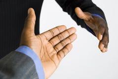 Aperto de mão do negócio do americano africano Fotografia de Stock