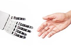 Aperto de mão do robô e do homem Imagens de Stock Royalty Free