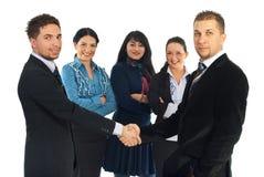 Aperto de mão dos homens de negócio Imagem de Stock Royalty Free