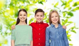 Aperto feliz do menino e das meninas Imagens de Stock Royalty Free