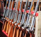 Apertos de pistola imagem de stock royalty free