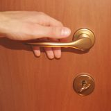 Apertura de la puerta Imagen de archivo libre de regalías