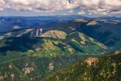 Apertura de sesión de las montañas fotos de archivo