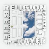 Apertura della porta di credenza di fede di religione per seguire Dio o spiritualità Immagini Stock