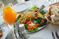 Apetyczny naczynie na talerzu. restauracyjny jedzenie i napój fotografia stock