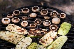 Apetyczny zucchini i pieczarka piec grilla Zdjęcie Stock