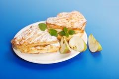 Apfelkuchen auf Platte Lizenzfreies Stockbild