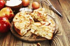 Apfelkuchen, Charlotte Lizenzfreie Stockfotos