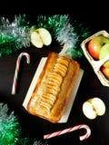 Apfelkuchen mit Gewürzen Stockfotos