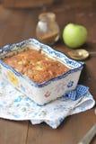 Apfelkuchen mit Rosinen Lizenzfreie Stockfotografie