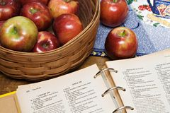 Apfelkuchen-Rezept lizenzfreies stockfoto