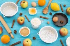 Apfelkuchenvorbereitung stockfotografie