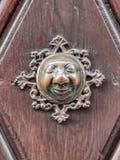Apfelweibla, εκλεκτής ποιότητας doorknob στην παλαιά πόρτα Στοκ Εικόνα