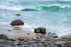 aphrodite τόπος γεννήσεως Κύπρος κοντά στα κύματα tou romiou βράχων PETRA paphos Στοκ εικόνα με δικαίωμα ελεύθερης χρήσης
