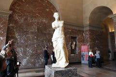 Aphrodite de Milos en el museo del Louvre Foto de archivo libre de regalías